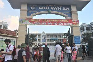 Những lớp học 'đông nhất Hà Nội': Phụ huynh cùng vào cuộc thay vì chỉ ca thán!