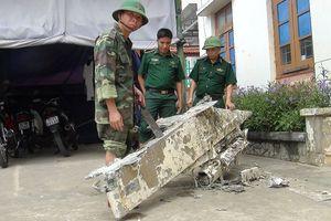 Ngư dân Quảng Bình vớt được vật thể nghi là bộ phận của máy bay rơi