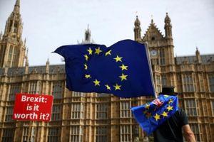 Kinh tế Anh sẽ suy yếu nếu không có thỏa thuận Brexit