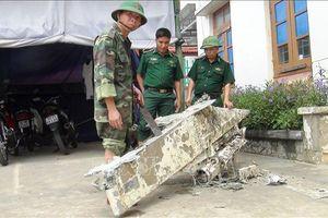 Ngư dân phát hiện vật thể nghi bộ phận máy bay rơi ở vùng biển Quảng Bình