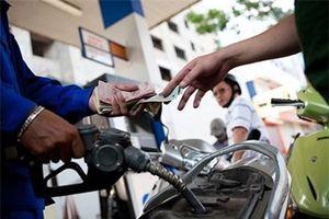 Có nhóm lợi ích hiện hữu trong giá xăng dầu?