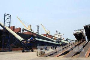 Phát triển các bến cảng tại Dung Quất ngang tầm với các cảng biển lớn