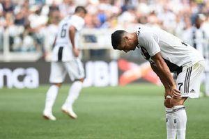 Tại sao Ronaldo cứ phải luôn gây áp lực cho chính bản thân?