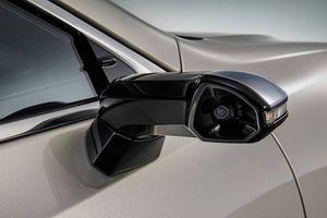 Lexus lắp camera quan sát thay cho gương chiếu hậu truyền thống