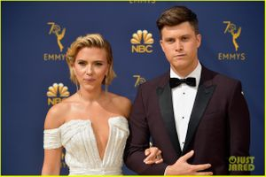 Mỹ nhân Scarlett Johansson tình tứ bên bạn trai trên thảm đỏ Emmy