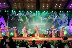 Tinh hoa nghệ thuật 'Những sắc màu văn hóa Việt Nam' đến với bạn bè quốc tế