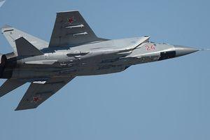 Máy bay MiG-31 của Nga rơi, 2 phi công thoát nạn