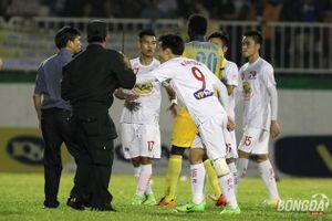 Hàng loạt án phạt ở V-League được đưa ra