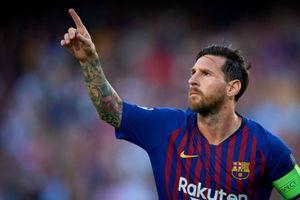 Cú sút phạt đẳng cấp của Messi nhìn từ khán đài