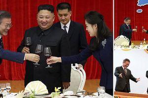 Lãnh đạo Hàn - Triều nâng ly trong bữa tiệc thịnh soạn