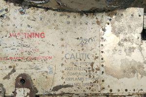 Quảng Bình: Ngư dân vớt được bộ phận nghi của máy bay