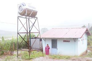 Đưa nước sạch, nhà vệ sinh về trường học vùng khó