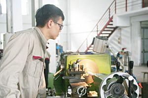 Sức hút từ nghề Cắt gọt kim loại: Đang học cũng có việc làm
