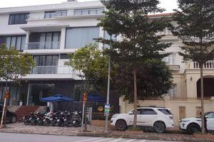 CSTT quận Hoàng Mai 'bỏ qua' một điểm để xe ô tô và xe máy tràn lan trên vỉa hè?