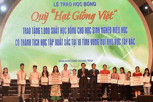 'Quỹ Hạt Giống Việt' trao tặng 1000 suất học bổng cho học sinh 10 tỉnh Miền núi phía Bắc