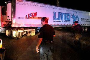Nhà xác di động: Phát hiện xe tải chứa 157 xác chết ở Mexico