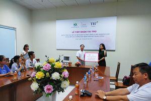 Quỹ Vì Tầm Vóc Việt trao tặng máy monitor cho Bệnh viện Nhi Trung ương.