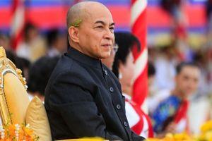 Quốc vương Campuchia bổ nhiệm đội ngũ cố vấn và trợ lý cho Thủ tướng