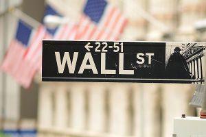 Phố Wall trả lương cao kỷ lục kể từ khủng hoảng tài chính 2008