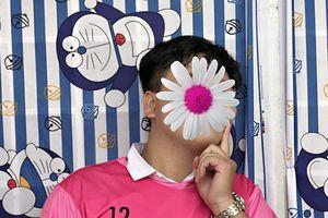 Chọn luôn áo lớp màu hồng Hello Kitty, teen Vĩnh Long thể hiện độ 'chơi lầy'