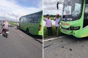 Nam Định: Xe máy va chạm với xe khách, 2 thanh niên tử vong