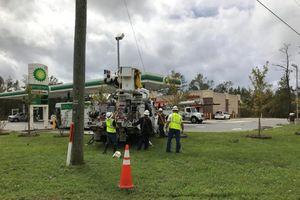 Sau bão Florence, hơn 267.000 khách hàng không có điện ở Carolina