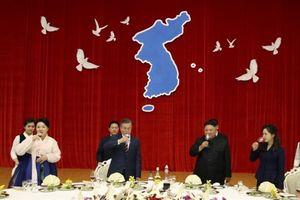 Ông Kim Jong-un chiêu đãi Tổng thống Hàn Quốc súp vi cá mập, vodka Bình Nhưỡng