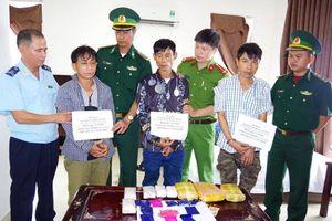 Hà Tĩnh: Bắt 3 đối tượng mua bán 18.000 viên ma túy tổng hợp