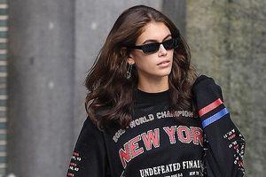Con gái Cindy Crawford sành điệu tham dự Tuần lễ thời trang Milan