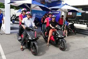 Chinh phục động cơ Blue Core tiết kiệm nhiên liệu trên xe ga Yamaha NVX