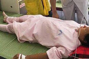 Suýt tử vong vì vỡ tử cung do sinh 'thuận tự nhiên' tại nhà