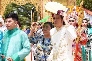Hoài Linh lo từng chi tiết nhỏ trong lễ giỗ Tổ nghề sân khấu