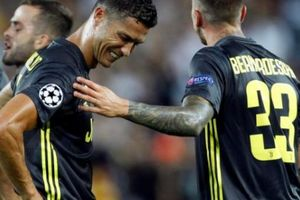 Lần đầu bị phạt thẻ đỏ ở Champions League, Ronaldo nói gì?