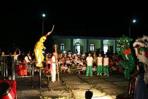 Đêm hội 'Vầng trăng biên thùy' cho trẻ em Hòa An