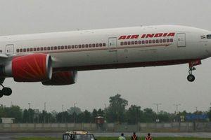 Phi công Air India nhanh trí cứu sống 370 người