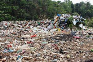 Điện Biên lùi thời gian đóng cửa bãi rác Noong Bua dù quá tải, gây ô nhiễm