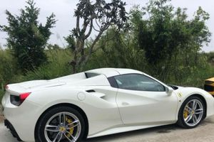 Siêu xe Ferrari 488 Spider hơn 15 tỷ về tay đại gia Bình Phước hấp dẫn cỡ nào?