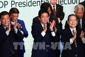 Thủ tướng Nhật Bản nắm trọng trách khôi phục lòng tin