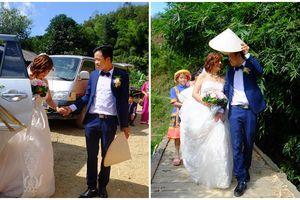 Cô dâu 61 tuổi mặc váy cưới vui vẻ vượt qua 3 con suối 'theo chàng về dinh'