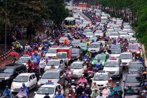 Mua ô tô ở Hà Nội: Trong chán ngoài thèm