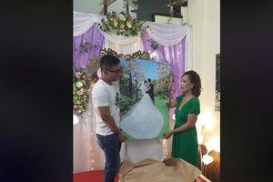 Đám cưới cô dâu 61 chú rể 26: Vị khách Hà Nội cất công lên tận Cao Bằng tặng dâu rể món quà cực ý nghĩa