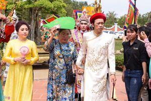 Sao Việt tề tựu đông đủ dâng hương giỗ Tổ nghề sân khấu