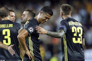 Nhận thẻ đỏ oan nghiệt, Ronaldo sẽ mất Quả bóng Vàng?
