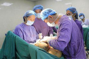 Phẫu thuật thành công khối u vú 'siêu khủng' cho một nữ bệnh nhân