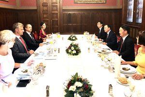 BẢN TIN MẶT TRẬN: Hungary đánh giá cao cộng đồng người Việt Nam