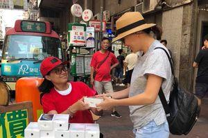 iPhone XS bán như rau lề đường ở Hong Kong