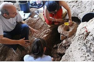 Phát hiện nhà máy bia cổ 13.000 năm ở Israel