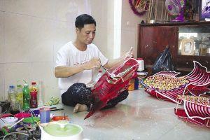 Tấp nập làng nghề lồng đèn ở Sài Gòn dịp trung thu