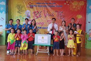 LĐLĐ Hải Phòng tổ chức thăm, tặng quà Trung thu sớm cho trẻ em