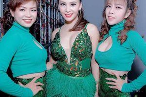'Hoa hậu Bolero' Trần Mỹ Ngọc chia sẻ về người mẹ sinh cô ở tuổi 50
